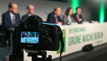 Rückblick Grüne Woche: Zwischen Bullerbü und Tierfabrik