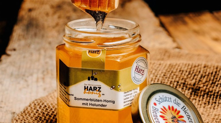 Honig: Sommerblüten-Honig mit Holunder