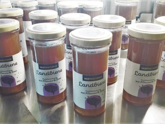 Landbiene Vielblütenhonig  mit Pflaume & Zimt